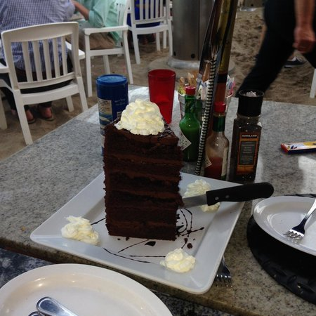 Paradise Cove Beach Cafe: Chocolate Layer Cake
