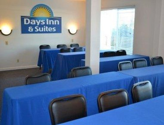 Days Inn & Suites Fountain Valley/Huntington Beach : Meeting Room