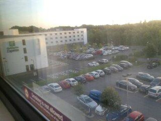 Premier Inn Manchester Airport (M56/J6) Runger Lane North: View from hotel room
