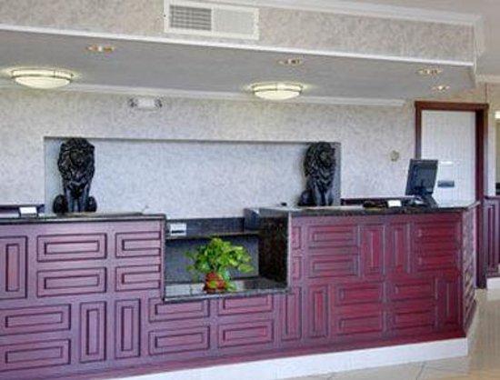 Ramada Flagstaff East : Lobby