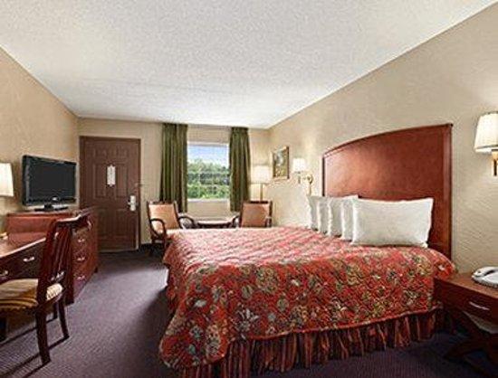 Days Inn Branson/Near the Strip: Standard King Bed Room