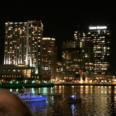 Baltimore Marriott Waterfront: Night sights from the Room