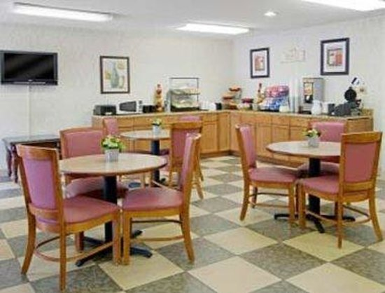 Ramada Limited Maggie Valley : Breakfast Area