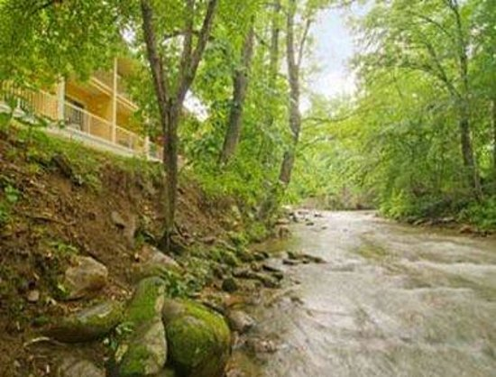Ramada Limited Maggie Valley : Creek