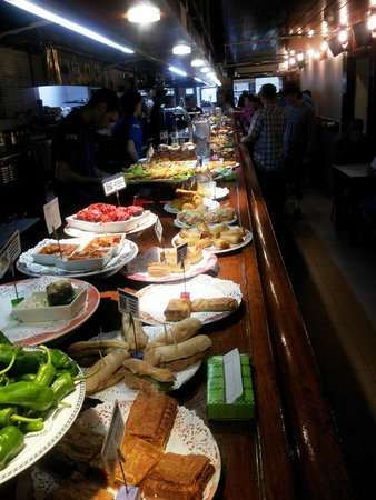 San Sebastian Walking Tours: tapas bar