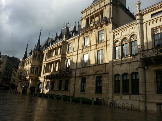 Palace of the Grand Dukes (Palais Grand-Ducal): Резиденция герцога