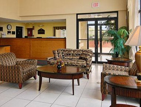 Baymont Inn & Suites Horn Lake Southaven: Lobby