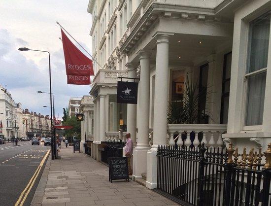 Rydges Kensington London: Front