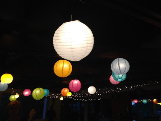 Hotel Sugar Beach : Beautiful open air wedding venue lit by lanterns