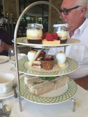 Celtic Manor Resort: Stunning afternoon tea. Delicious!