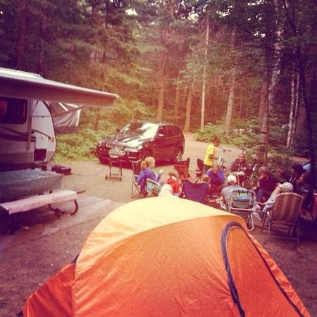 Arrowhead Provincial Park : saturday night camp fire