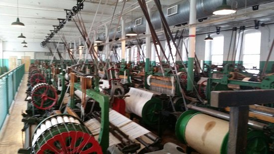 Boott Cotton Mills Museum : Loom room
