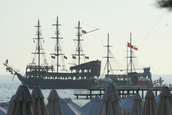 Barut Arum: Pirate Ship Excursion
