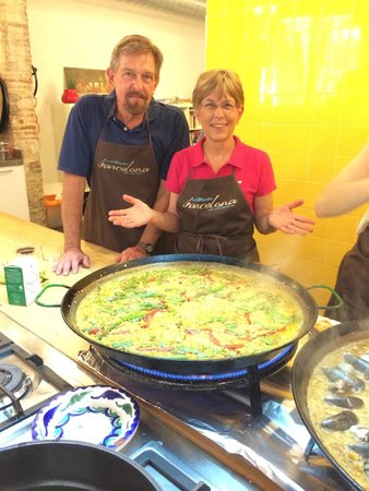 Cook and Taste Barcelona Cooking Classes: The final Vegie Paella