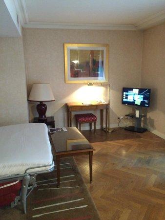 Warwick Reine Astrid -  Lyon : côté chambre