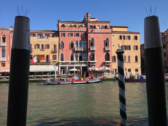 Hotel Canal Grande: View from breakfast deck