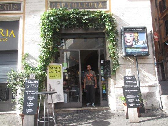 Rooms in Navona : Breakfast next door