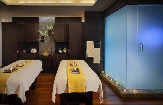 Acqualina Resort & Spa on the Beach: Spa Treatment Room