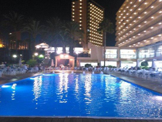 Hotel Helios Benidorm: La piscina