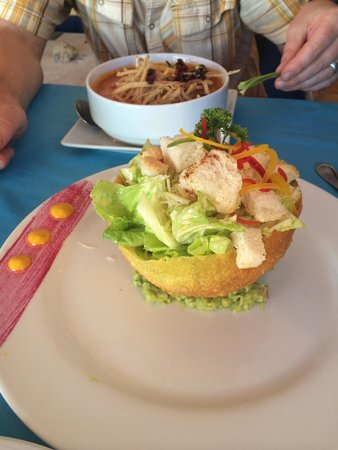 Parque de los Sueños Bar & Grill : Ceasar salad and tortilla soup!