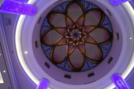 The Ajman Palace Hotel: красиво