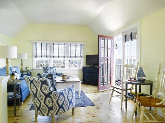 The Cottages at Nantucket Boat Basin: 3 Bedroom living area