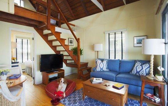 The Cottages at Nantucket Boat Basin: Pet Friendly 2 bedroom cottage