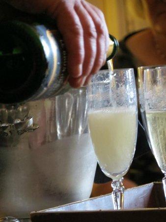 Monhoudou, Frankreich: Bubbles on gala night