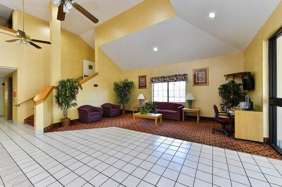 Americas Best Value Inn & Suites - Morrow / Atlanta: Lobby