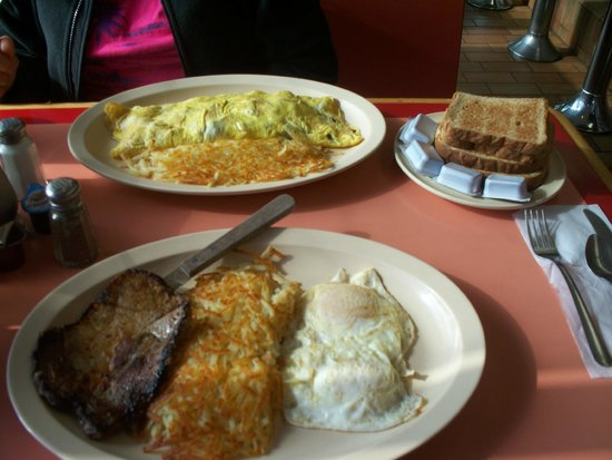 Johnnie's Grill: our great breakfast!   Yum!!