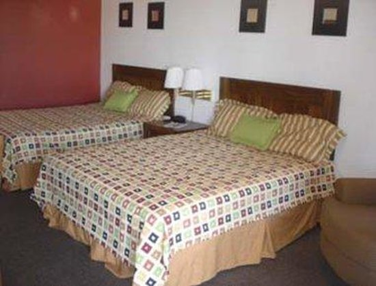 Knights Inn Gila Bend : 2 Queen Bed Guest Room