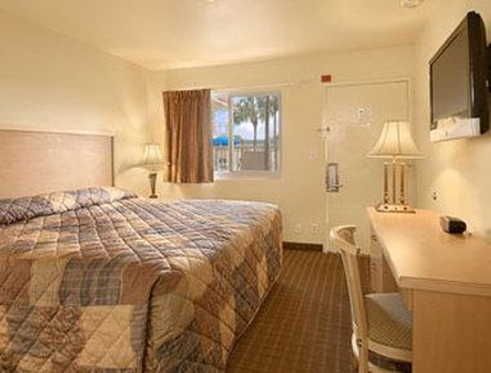 Travelodge Riviera Beach/West Palm: Standard King Room