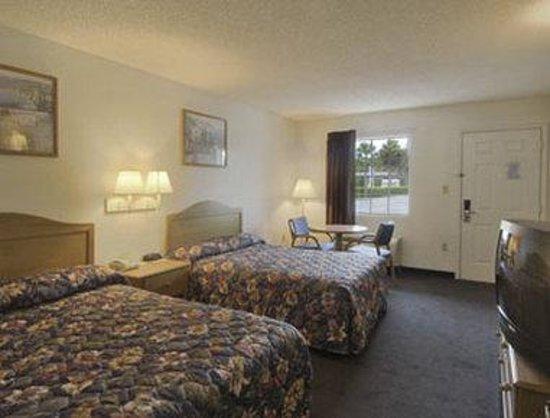 Photo of Travelodge Suites MacClenny