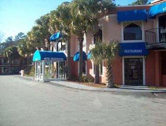 Havelock Inn & Suites: Welcome to the Knights Inn Havelock