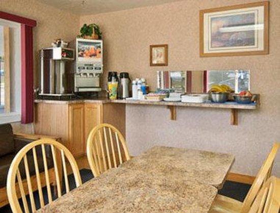 La Grande Travelodge: Breakfast Area