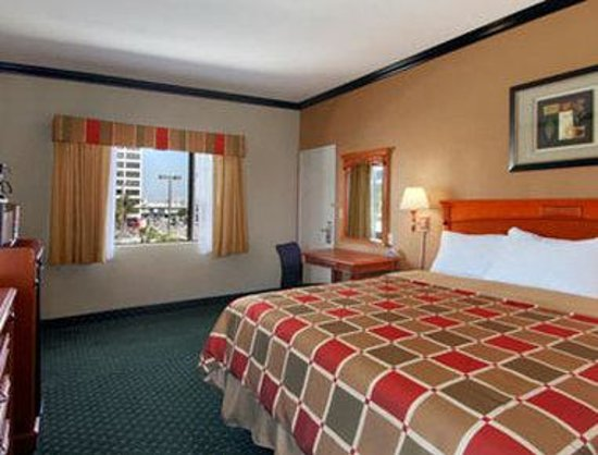 LAX South Travelodge: One King Guest Room