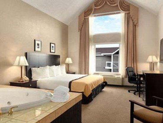 Baymont Inn & Suites Reno : Suite