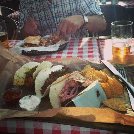Benny´s BBQ: 3 tacos på Bennys