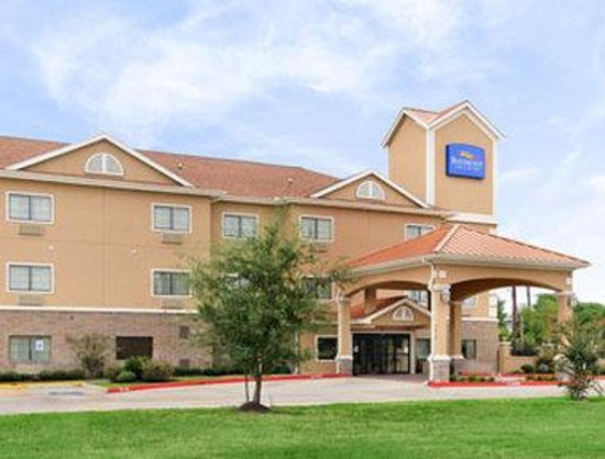 Baymont Inn & Suites Baytown : Welcome to the Baymont Inn and Suites Baytown