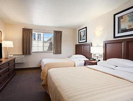 Travelodge by the Bay : Double Suite