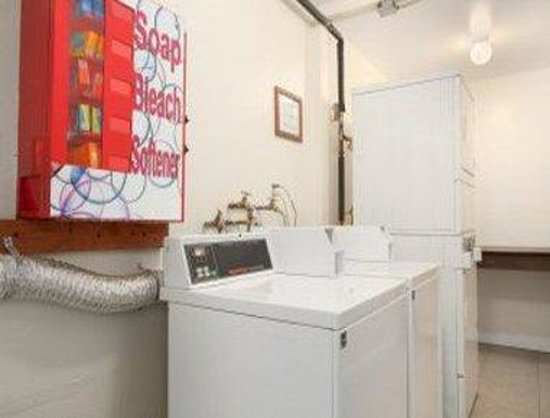 Lotus of Lompoc - A Great Hospitality Inn : Laundry