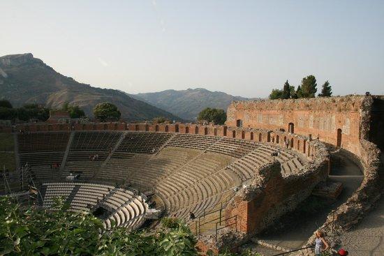 Le Case di Bacco: nabijgelegen Taormina