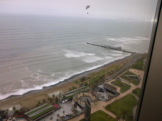 JW Marriott Hotel Lima: View from Concierge Lounge with a paraglider