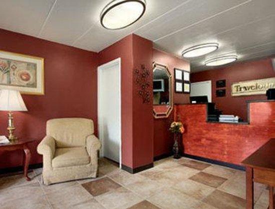 Travelodge-Florence/Cincinnati South: Lobby