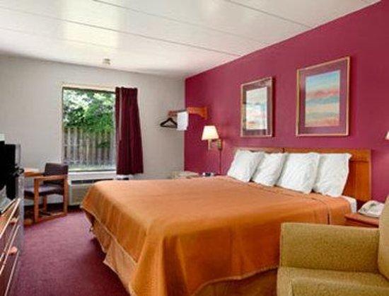 Travelodge-Florence/Cincinnati South: Standard One King Bed Room