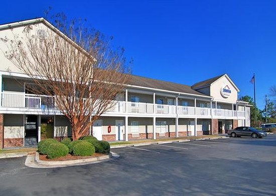 Suburban Extended Stay of Wilmington: Exterior