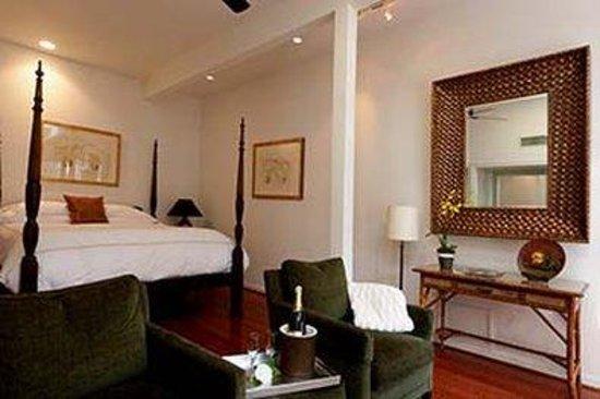 Gaige House, A Four Sisters Inn: Guest Bed