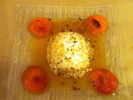 Couleur des Champs: Home made blancmange with rosemary and roasted apricots