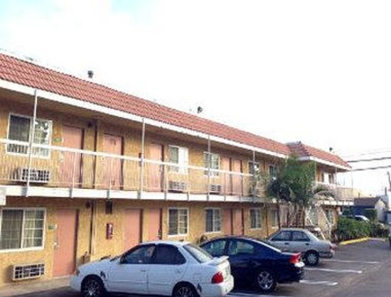 Travelodge Fullerton Near Anaheim: Exterior