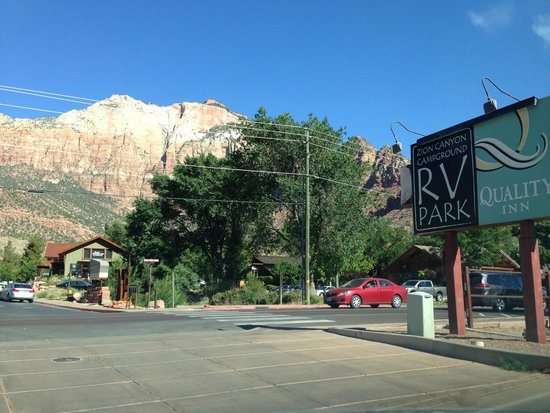 Quality Inn at Zion Park: Front view